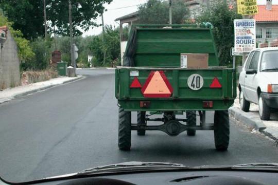 Os veículos agrícolas destinam-se: